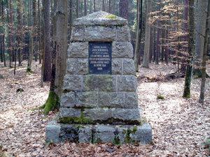 Wachtelův pomník (Jemčina)